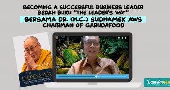 Sampul buku The Leader's Way karya Dalai Lama & Foto Pak Sudhamek A.W.S.